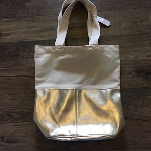 CHARMING CHARLIE The Perfect Gift Tote Bag in Gold